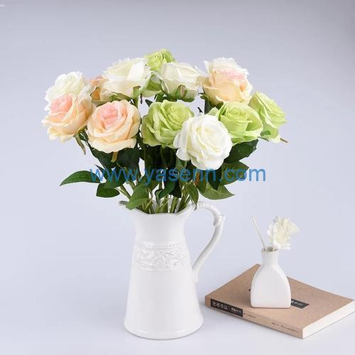 Flowers add charm to your office decor